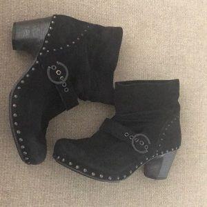 Dansko 40 black leather suede studded boots